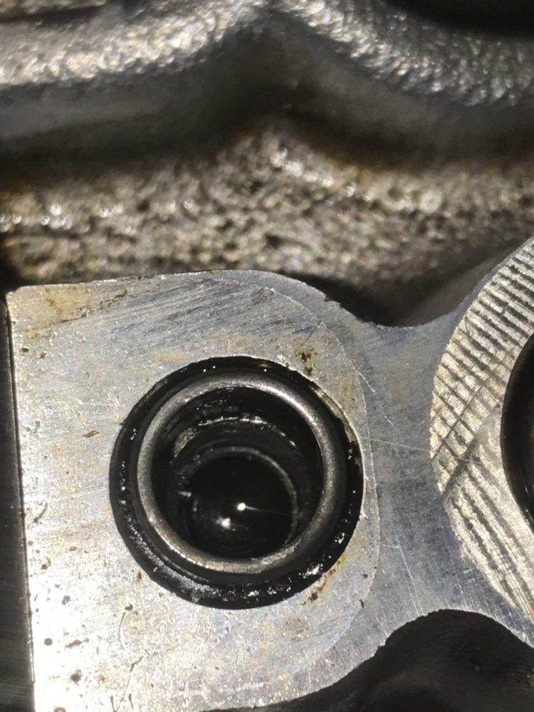 22RE Stripped Camshaft Cap threads in head | NC4x4