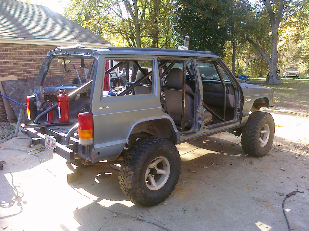 311330515666 together with 398990848217995912 likewise 732767 Roll Cage Installation 2 moreover 1986 Cherokee Chief 138485 besides 5946082275. on jeep comanche