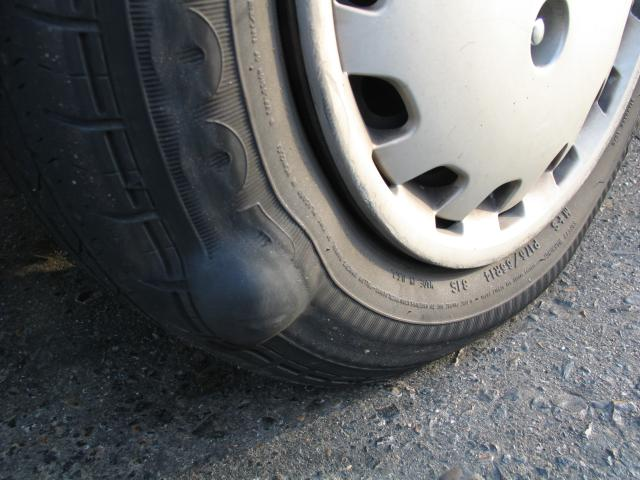 Bulge In Tyre >> HELP!!! one of my tires has a tumor.. | NC4x4
