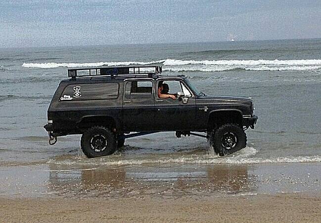 info on a lifted 87 suburban thats for sale nc4x4. Black Bedroom Furniture Sets. Home Design Ideas